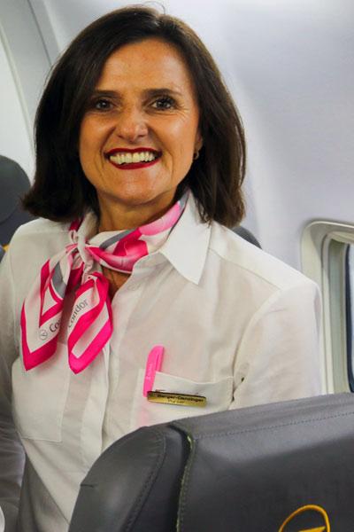 FlyPink, Condor, Flugbegleiterin