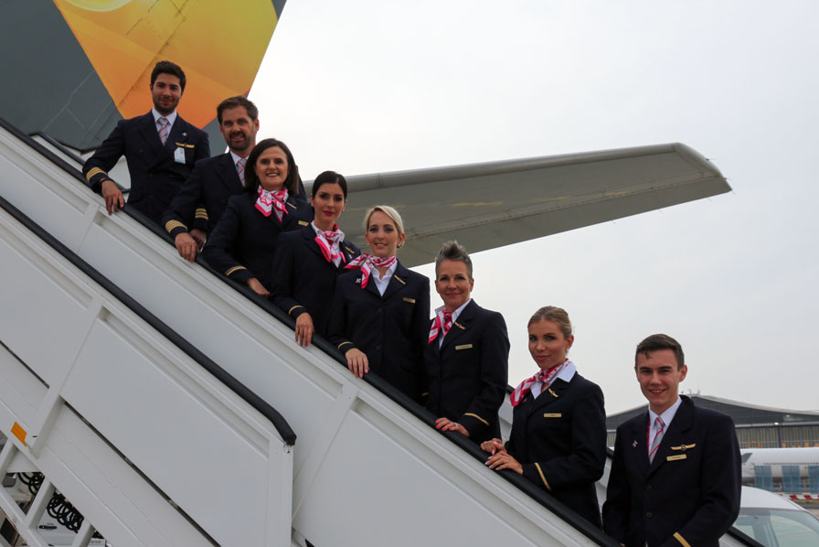 FlyPink, Condor Crew