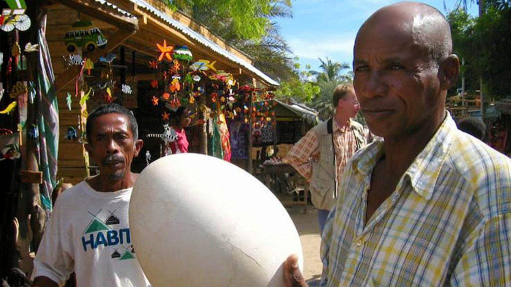 Händler auf Markt in Tana