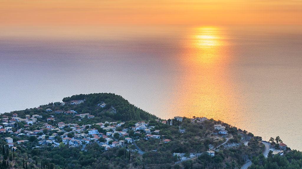 Blick von Exanthia auf Meer während Sonnenuntergang, Lefkada