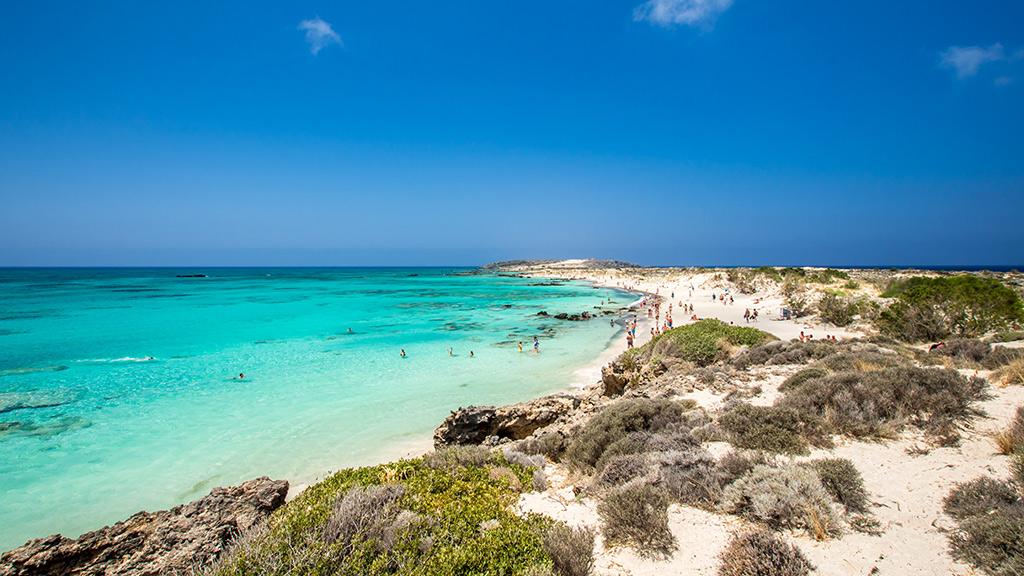 Blick auf den weißen Balos Beach mit türkisblauem Wasser, Kreta