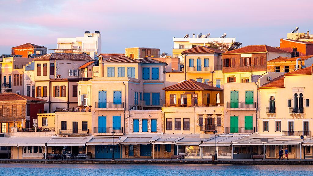 Blick auf kleinen Hafen von Chania, Kreta